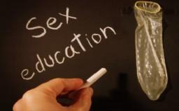 Educacion sexual condon 256x160 Gay black butt